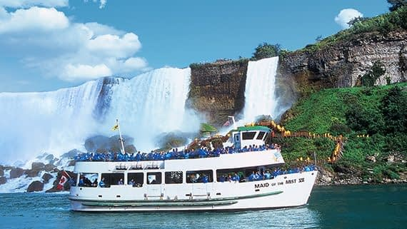 Day 06 – Visit the Famous Niagara Falls