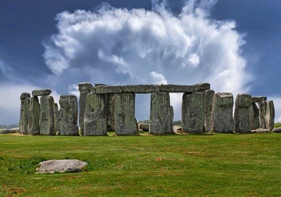 Day 3 – London – Stonehenge – Cardiff